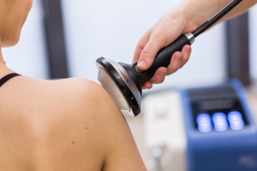Kada dodirnete bolno mjesto, nelagodnost u zglobu naglo se povećava.